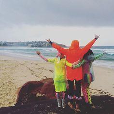 F L U R O Friday the day away @onewaveisallittakes #onewave #bondi #bondibeach #bondisunrise #beach #sea #surf #surfing #sand #sunrise #spring by aprillaq http://ift.tt/1KBxVYg