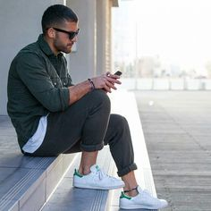 44 casual spring outfits for guys men style moda estilo, est Converse Shoes Outfit, Sneakers Outfit Men, Stan Smith Outfit, Fitz Huxley, Moda Men, Look Adidas, Look Man, Outfit Trends, Zara Man