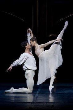 "Roberto Bolle as Romeo in ""Romeo and Juliet"" with Alina Cojocaru at Scala…"