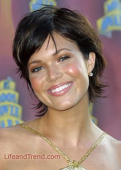 Mandy Moore Short Sexy Brunette Hairstyles for round faces 2013