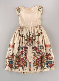 misswallflower:  Evening dress, attributed to Jeanne Lanvin,1922