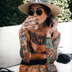 Full Body Tattoo, Body Tattoos, Girl Tattoos, Tattoos For Women, Tattoed Women, Tattoed Girls, Inked Girls, Perfect Red Lips, Male Models Poses