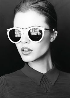 Everyone is a fan of wearing Sunglasses when it comes to summers , but the most important thing to keep in mind is what sort of sunglasses should you wear with your face shape. The four main face s…