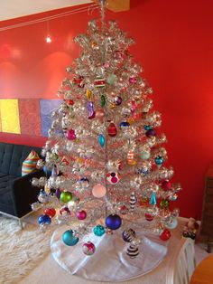 vintage aluminum christmas trees our favorite holiday eye candy - Aluminium Christmas Tree