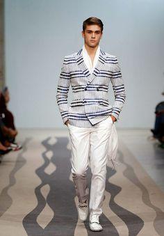 As 29 melhores imagens em Miguel Vieira   Cat walk, Fashion weeks e ... d5a11ed37c