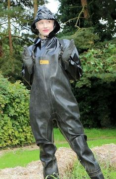 Policewoman Angelina Bartlett in chest waders for searching the river. Heavy Rubber, Black Rubber, Pvc Trousers, Pvc Hose, Latex Costumes, Rubber Raincoats, Yellow Raincoat, Rain Gear, Weather Wear