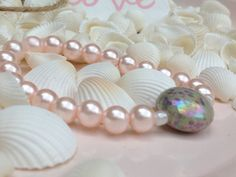 Pretty in pastel - roze parels met parelmoer steen