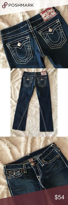 """TRUE RELIGION Joey Super T Jeans Dark wash jeans with signature white thread and horse-shoe button flap back pockets. EXCELLENT CONDITION. Tiny snag on seam. Inseam: 28.5"""", rise: 7.5"""" waist: 16"""" hem: 8"""". ✨OFFERS WELCOME✨ True Religion Jeans Boot Cut"""