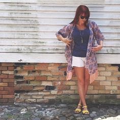 @lularoeholly - Love this Monroe kimono that @lularoe.brandiwolfe is sporting for spring!