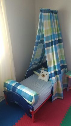 Boy bed tent decor & Rugrat Rodeos: getting crafty Instruction for this amazing bed ...