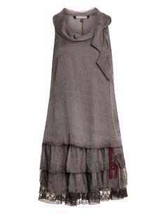 Verspieltes Kleid in Anthrazit / Beere-Lila designed von Mellem in der Kategorie Kleider bei navabi.de