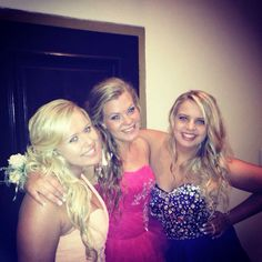 Prom . Dress . Hair . Friends . Beautiful ♡