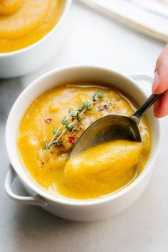 Split Pea Soup with Sweet Potato - Fiber-loaded and packed with flavor, this creamy split pea soup is a comforting vegetarian meal for chilly winter nights Best Soup Recipes, Pea Recipes, Lentil Recipes, Vegetarian Recipes, Cooking Recipes, Potato Soup Vegetarian, Vegan Soups, Favorite Recipes, Yellow Split Pea Recipe