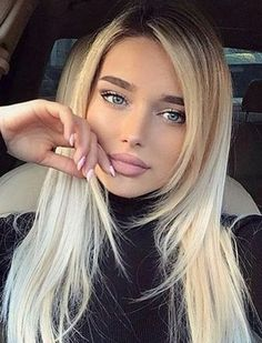 When your grandmother gives you beauty, cooking or cleaning advice, she usually ends up telling you about baking soda. Beauté Blonde, Blonde Beauty, Hair Beauty, Looks Pinterest, Pinterest Hair, Most Beautiful Faces, Beautiful Eyes, Beautiful Clothes, Belle Silhouette