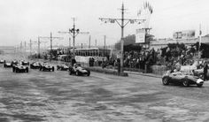 Stirling Moss, Vanwall VW10 leading at the Boavista Circuit, Portuguese Grand Prix 1958