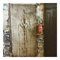 Save me !  #iphone #iphoneography ##extinguisher #tombstone