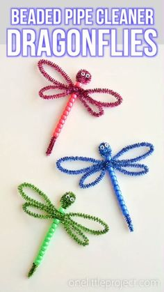 These beaded pipe cleaner dragonflies are SO CUTE! And they're so easy to make! All you need are pipe cleaners, plastic pony beads and googly eyes and you can whip one up in less than 5 minutes! This is such a fun kids craft that they can actually play with when they're done! A great kids activity for spring and summer!