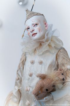 This image of a doll was taken of The Makismov. I saved it as I like the pale colour story, as I believe its quite creepy, like a clown drained of colour. Pierrot, Soft Sculpture, Sculptures, Clown Images, Colour Story, Set Design Theatre, Doll Home, Circus Art, Polymer Clay Dolls