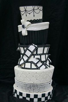 A wedding cake fit for the movies! #Hollywood #wedding