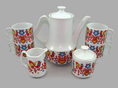 Nevco Tea Set Pennsylvania Dutch Design Coffee Pot 4 Mugs