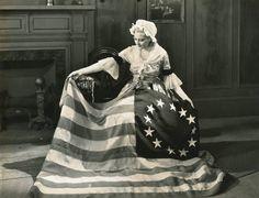 Thelma Todd as Betsy Ross