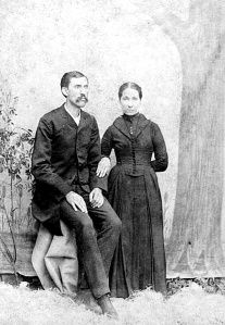 Wyatt Earp and Josie Old West Photos, Rare Photos, American Legend, American History, Vintage Pictures, Old Pictures, Westerns, Wild West Cowboys, Wyatt Earp