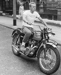 Elegant Monday Cooler King by Steve McQueen in Motorcycle Triumph . - Elegant Monday Cooler King by Steve McQueen in Motorcycle Triumph … - Steve Mcqueen Triumph, Steve Mcqueen Motorcycle, Steve Mcqueen Style, Steve Mcqueen Cars, Triumph Bikes, Triumph Bonneville, Triumph Motorcycles, Triumph Scrambler, Triumph 650