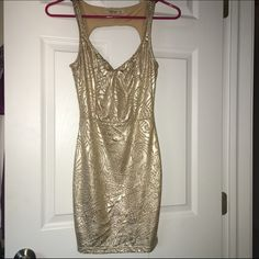 ArdenB Dress This gold Arden B bodycon dress is perfect for any occasion! Gold metallic color, extra small and only worn once. Open to offers! :) Arden B Dresses Mini