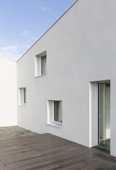 Gallery of House for a Photographer / Studio Razavi architecture - 24