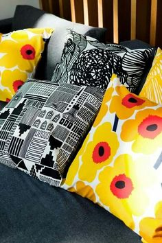 Marimekko – Pieni Unikko Cushion Cover - Marimekko - By Design House Textiles, Textile Patterns, Textile Design, Print Patterns, Fabric Design, Marimekko, Surface Pattern, Surface Design, Turbulence Deco