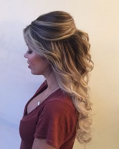Completely i love with this curly bouffant style hair by goldplaited half up half down hairstyle prom hairstyle prom hair promhair ideasfashionbeauty fashion ideas Best Wedding Hairstyles, Braided Hairstyles, Hairstyle Wedding, Prom Hairstyles For Long Hair Curly, Pretty Hairstyles, Hairstyle Ideas, Homecoming Hairstyles Down, Popular Hairstyles, Hair Ideas