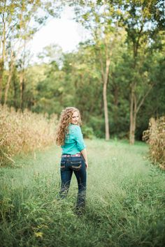 Althouse Photography // www.althousephotography.com #cowgirl #western #westernbelt #country #countrygirl #cornfield
