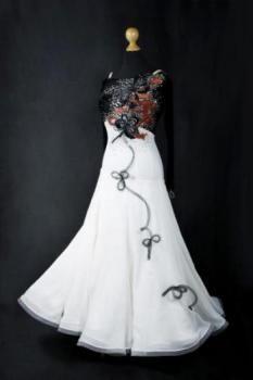 http://www.dancedress24.de/Galore_Couture-1041-23799-Prude.html
