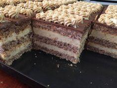 Prăjitura Felie cu nucă – un desert pe care trebuie să-l prepari măcar o dată! Poppy Cake, Romanian Desserts, Hungarian Recipes, Hungarian Food, Oreo Cupcakes, Cake Bars, Holiday Dinner, Cookie Recipes, Deserts