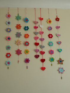 pinkfluffywarrior Great idea for using up bits of yarn..