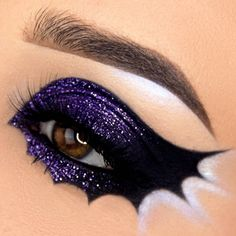 Super easy mermaid makeup for a top notch Halloween costume or mermaid party. Bat Makeup, Halloween Eye Makeup, Halloween Eyes, Eye Makeup Art, Crazy Makeup, Costume Makeup, Makeup Inspo, Eyeshadow Makeup, Makeup Inspiration
