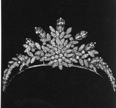 Tiara of Empress Farah of Iran.