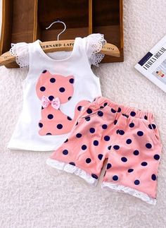 Latest fashion trends in women's Clothing Sets. Shop online for fashionable ladies' Clothing Sets at Floryday - your favourite high street store. Girls Summer Outfits, Baby Outfits, Family Outfits, Kids Outfits, Baby Girl Dress Patterns, Baby Girl Dresses, Sleeveless Outfit, Frocks For Girls, Kids Wear