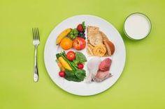 Impatient(e) de changer de silhouette, de repenser vos habitudes alimentaires, de mieux faire, la tentation de suivre des régimes drastiques et radicaux est grande. Il est pourtant possible d'améliorer votre santé visiblement en suivant des conseils alimentaires essentiels.