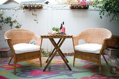 quaint outdoor space #hometour #theeverygirl