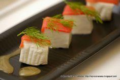 La Piccola Casa: E per l'aperitivo un gustoso Finger Food: salmone selvaggio sockeye dell'Alaska, primo sale, aneto e miele di agrumi