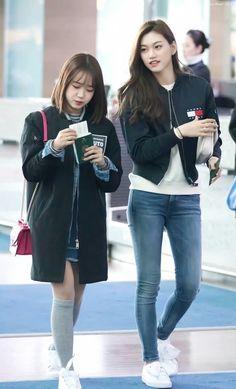 Doyeon yoojung Fashion Idol, Kpop Fashion, Airport Fashion, Korean Fashion Trends, Asian Fashion, Jooheon, Korean Girl, Asian Girl, Choi Yoojung