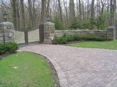 Our French Inspired Home: Brick and Cobblestone Paver Driveways vs. Crushed Stone Driveways: Which is your Favorite? Driveway Entrance Landscaping, Brick Paver Driveway, Driveway Design, Driveway Gate, Driveway Ideas, Fence Gate, Front Gates, Entrance Gates, Entrance Ideas
