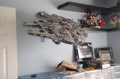 LEGO Millennium Falcon mounted on a TV mount Decoration Star Wars, Star Wars Decor, Star Wars Fan Art, Lego Star Wars, Star Wars Clone Wars, Star Trek, Lego Millenium Falcon, Lego Display Case, Lego Ucs