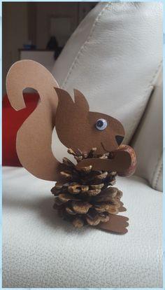 Autumn Crafts, Christmas Crafts, Christmas Ornaments, Spring Decoration, Fall Decor, Diy For Kids, Crafts For Kids, Velvet Acorn, Little Acorns