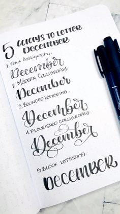 Learn how to write December 5 different ways Learn how to write December 5 different ways Herzfarbe Herzfarbe Lettering 038 Doodles Lettering for bullet journal free lettering nbsp hellip wall ideen December Bullet Journal, Bullet Journal Font, Journal Fonts, Bullet Journal Ideas Pages, Bullet Journal Inspiration, Bullet Journal Headers, Hand Lettering Alphabet, Doodle Lettering, Creative Lettering