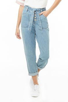 Shop Forever wide range of women's bottoms - pants, skirts, shorts, leggings, jeans and more! Find everything from palazzo pants to skinny denim here. Black Skirt Outfits, Black Jeans Outfit, Going Out Outfits, Cool Outfits, Casual Outfits, Boyfriend Jeans, Birthday Outfit For Women, Forever 21, Jeans Denim