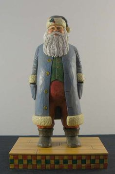 Would love to do on a split-bottom cypress knee!  Wonderful Hand-Carved Santa