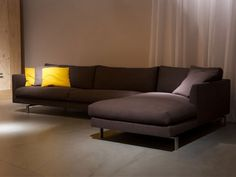 sectional-upholstered-sofa-with-headrest - Home Decorating Trends - Homedit Masculine Living Rooms, Small Living Rooms, Living Room Designs, Sofa Design, Furniture Design, Interior Design, Angles, Big Cushions, Basement Bedrooms