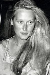 vintage black and white photograph of young Meryl Streep // stunning // long blonde hair // fashion icon // style idol // iconic women // 1970s // 70s
